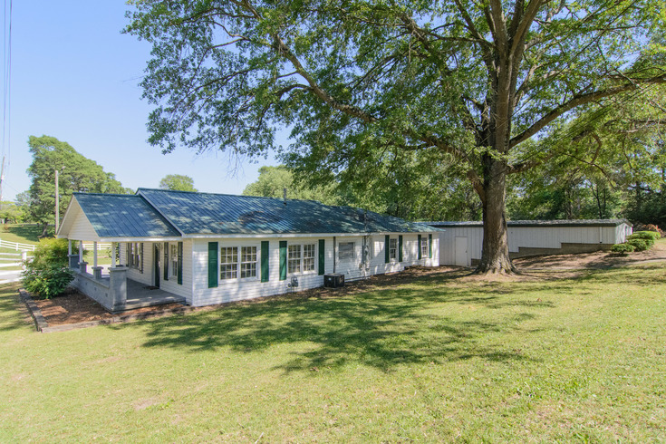 Virtual Tour of Birmingham Metro Real Estate Listing For Sale | 951 1st Avenue West, Alabaster, AL 35007